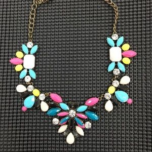 💕 Gorgeous statement necklace